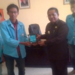 Mahasiswa Universitas Sebelas Maret (UNS) Surakarta melaksanakan tugas KKN di Kabupaten Rote Ndao, Nusa Tenggara Timur - foto: Koranjuri.coom