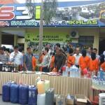 Tersangka dan barang bukti hasil operasi Pekat Polresta Denpasar - foto: IB Alit