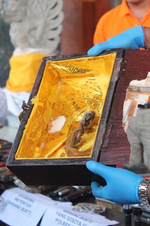 Jenglot yang ditemukan dari Lapas Kerobokan - ftoo: IB Alit