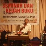 Launching dan bedah buku karya Ida Bagus Dharma Palguna di Hotel Inna Bali, Denpasar, 30 Desember 2015 - foto: Koranjuri.com