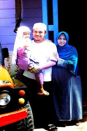 Gus Jamil Bersama keluarga - foto: Sujono