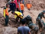 BPBD, Bakorlak SAR UNS dan TNI/Polri mencari korban tanah longsor di Desa Penungkulan Kecamatan Gebang, Purworejo - ist