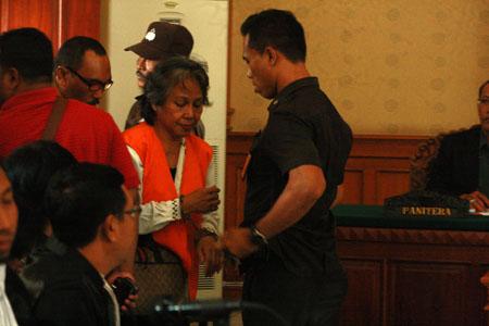 Agustay Hamdamay Dituntut 12 Tahun Penjara