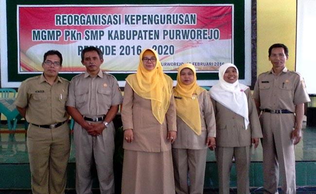 Kepengurusan baru MGMP PKn SMP Kabupaten Purworejo periode 2016-2020