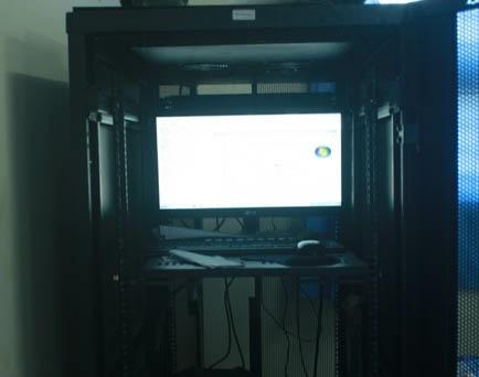 Server yang dimiliki SMK Teknologi Wira Bhakti Denpasar untuk mendukung pelaksanaan UNBK - foto: Koranjuri.com
