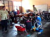 Duasana pelatihan ketrampilan di kantor UPT-LLK Dinsosnakertrans Purworejo - foto: Sujono/Koranjuri.com