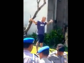 Detik-detik ditembaknya bule asal Prancis, Amokrane Sabet dalam tayangan video yang beredar di youtube - foto: youtube