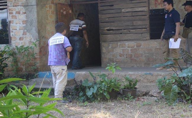 Polisi Reka Ulang Penembakan Kades Lidor