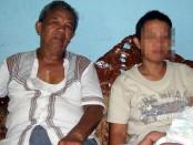 Latifah didampingi ayahnya, Rohmadi - foto: Sujono/Koranjuri.com