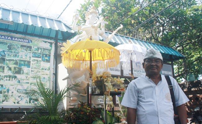 Kepala SMP Wisata Sanur, I Gusi Made Raka - foto: Koranjuri.com