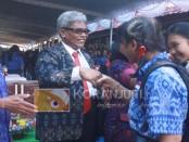 Anak Agung Gde Agung Rimbya Temaja pada pelepasan siswa kelas IX SMP Negeri 1 Denpasar, Kamis, 9 Juni 2016 - foto: Koranjuri.com