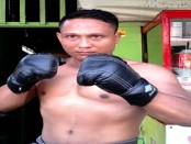 Sugiyanto 'The Giant Wasiat', petinju profesional kelas menengah 69 kg dari Purworejo - foto: Sujono/Koranjuri.com
