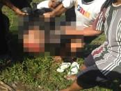 Korban Paimin dievakuasi oleh warga setelah tersambar kereta Api disambar KA Joglokerto, Rabu, 13 Juli 2016 – foto: Sujono/Koranjuricom