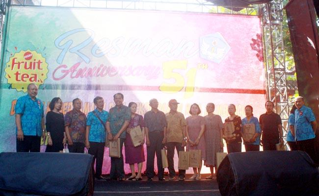Perayaan HUT ke-51 SMA Negeri  2 Denpasar dikemas secara kreatif dengan menggelar lomba melukis grafiti dan membuka pusat kuliner yang dilakukan oleh siswa - foto: Koranjuri.com