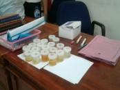 Sampel urin/ilustrasi - foto: Suyanto/Koranjuri.com