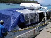 Bangkai Fastboat Gili Cat 2 dievakuasi ke dermaga - foto: Istimewa