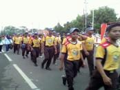Ribuan pelajar SMK PN Purworejo melaksanakan jalan sehat tradisional, Jum,'at (9/9) – foto: Sujono/Koranjuri.com.