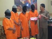 Empat kurir narkoba yang ditangkap Reserse Narkoba, Polresta Denpasar. Para pelaku ini berprofesi sebagai tukang bakso, pemungut retribusi pasar, sopir freelance dan Satpam di Bandara Ngurah Rai - foto: Istimewa