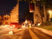 Gerbang Utama menuju wisata pantai Kuta - foto: Koranjuri.com