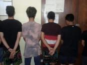 Enam orang tersangka kasus pengeroyokan di Jalan Bung Tomo Denpasar resmi ditahan di Polsek Denpasar Barat - foto: Istimewa