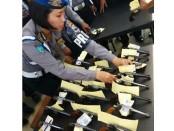 Pemeriksaan senjata api terhadap seluruh anggota Polres Purworejo pemegang senpi, Senin (10/10) – foto: Sujono/Koranjuri.com