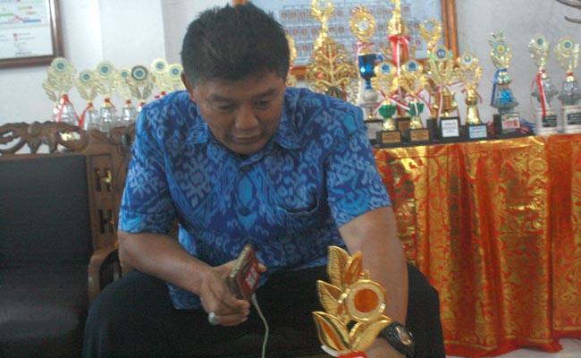 kepala SMP Negeri 1 Kuta, I Gusti Agung Rai Sutanaya