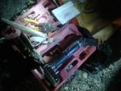 Bungkusan mencurigakan berisi peralatan tukang ditemukan di Jimbaran pada malam menjelang natal, Sabtu 24 Desember 2016 - foto: Istimewa