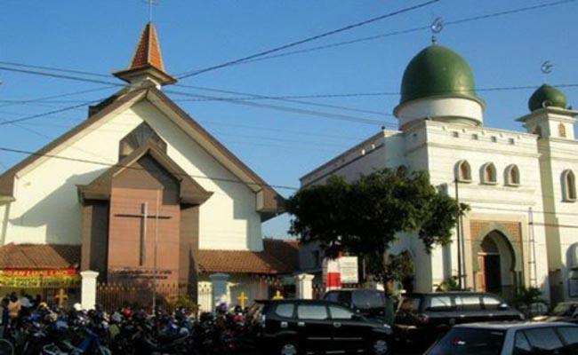 244 Gereja Di Bali Dijaga Ketat Pada Malam Natalkoranjuri Com