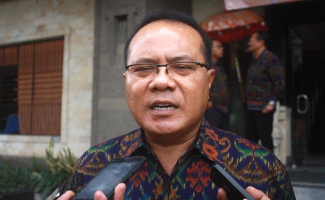Rektor IKIP PGRI Bali, Dr. I Made Suarta, S.H,.M.Hum - foto: Wahyu Siswadi/Koranjuri.com