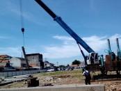 Pemasangan tiang pancang utama, sebagai tanda dimulainya pembangunan pasar Baledono - foto: Sujono/Koranjuri.com