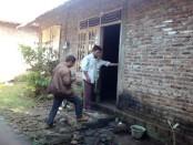 Rumah tempat tinggal keluarga Sunarto di Desa Krandegan, Bayan – foto: Sujono/Koranjuri.com