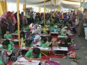 Suasana lomba mewarnai memperebutkan piala Kasatlantas Polres Kebumen, Senin (24/4) - foto: Sujono/Koranjuri.com