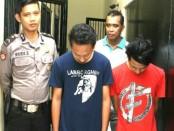 WS dan RS, dua pengedar pil hexymer, yang ditahan Satuan Narkoba Polres Kebumen - foto: Sujono/Koranjuri.com