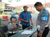 Bidang Profesi dan Pengamanan (Bid. Propam) Polda Bali melaksanakan pengecekan terhadap personel Polda Bali yang memegang atau pinjam pakai senjata api - foto: Istimewa