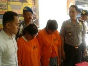Dua IRT melakukan aksi curat di dua TKP di Denpasar. Mereka menggondol perhiasan emas dan uang tunai. Korban mengalami kerugian mencapai Rp 37 juta - foto: Suyanto