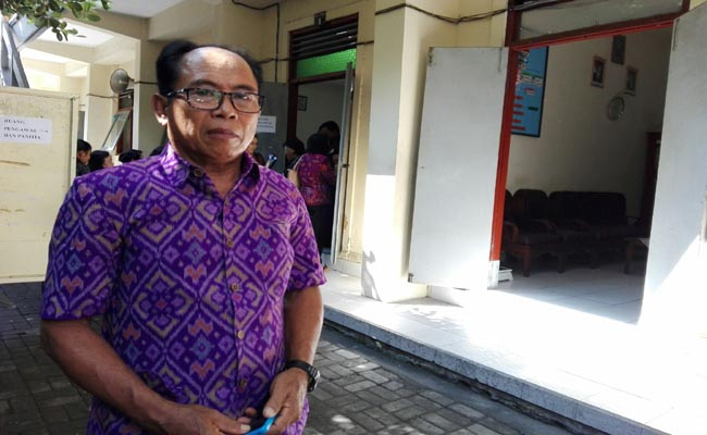 Kepala SMP Sapta Andika Denpasar, I Ketut Sutarjana - foto: Koranjuri.com