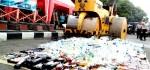 Ribuan Botol Miras Sitaan Dimusnahkan Jelang Puasa
