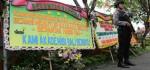 Karangan Bunga Dukung Penutupan Diskotik Akasaka Menghiasai Halaman Polda Bali