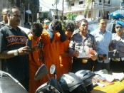 Tiga pelaku street crime yang biasa beroperasi di Gang Popppies Kuta akhirnya menyerah tanpa syarat di tangan Polsek Kuta - foto: Suyanto