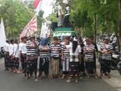 Massa tolak reklamasi Teluk Benoa kembali menggelar Aksi Damai yang dikemas dengan Parade Budaya di kawasan Lapangan Renon, Rabu, 26 Juli 2017 - foto: Istimewa