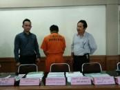 Satu tersangka berinisial DR.IMD, SE., MM., dalam kasus investasi bodong KSP Putra Amerta di Tegalalang, Ubud, Gianyar - foto: Istimewa