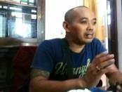 C. Panji, koordinator agen elpiji 3 kg untuk wilayah Purworejo, dari PT Eka Karya Asta - foto: Sujono/Koranjuri.com