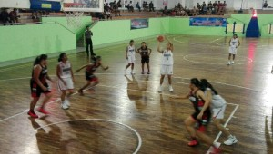 Tim Basket Putri Badung Hadapi Tuan Rumah Gianyar di Laga Final