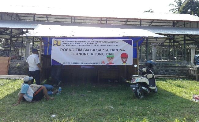 Posko Tim Siaga Sapta Taruna Gunung Agung di Kecamatan Rendang, Kabupaten Karangasem, Bali - foto: Koranjuri.com