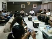 Solidaritas Masyarakat Lawan Kejahatan (Sorak) Anak Indonesia mendatangi Polda Bali untuk memberikan pemaparan terkait dugaan kasus kekerasan psikis terhadap anak-anak - foto: Istimewa
