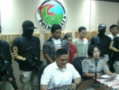 3 tersangka pengedar narkoba yang diamankan Tim Opsnal Direktorat Reserse Narkoba Polda Bali pada Jumat, 6 Oktober 2017 - foto: Istimewa