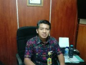Kepala SMK Farmasi Saraswati 3 Denpasar, I Gede Made Suradnyana - foto: Koranjuri.com