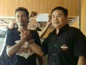 Ketua DPW Bali Ikatan Media Online (IMO) Indonesia,  Wahyu Siswadi (kiri) bersama Wakil Ketua, Ida Bagus Suwitra (kanan) - foto: Istimewa