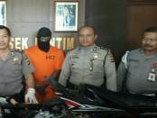 Pelaku Panji diamankan oleh Polsek Denpasar Timur beserta barang bukti kejahatannya - foto: Istimewa