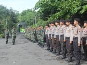 Apel gelar pasukan kesiapsiagaan bencana alam di halaman Kodim 0708 Purworejo, Kamis (30/11),  dipimpin Kasdim 0708, Mayor Inf Sulistiyono - foto: Sujono/Koranjuri.com